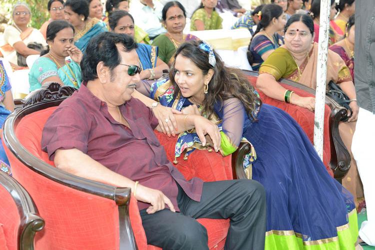 Lakshmi Manchu Photo Clicked At Dasari Padma Memorial Event