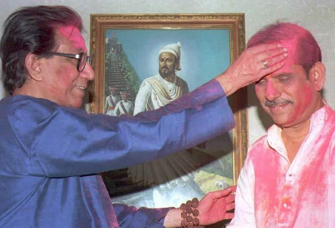 Bal Thackeray Playing Holi Still