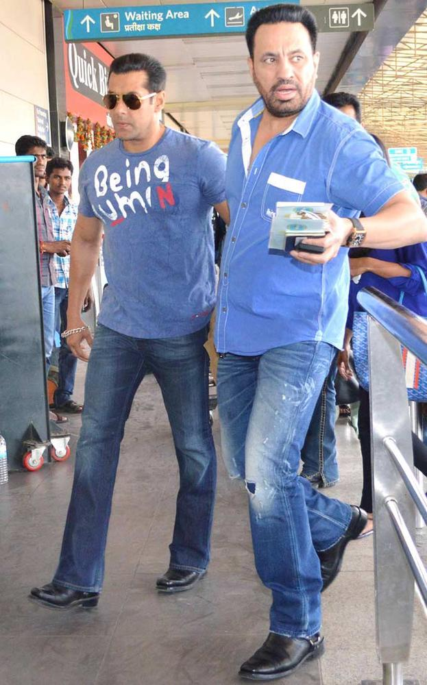 Salman Khan Snapped At Mumbai Airport