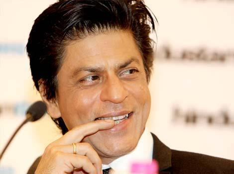 Shahrukh Smiling Nice Still At Hindustan Times Leadership Summit