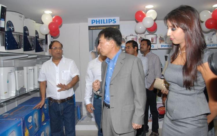 Sanjana During At Bajaj Electronics Showroom Opening