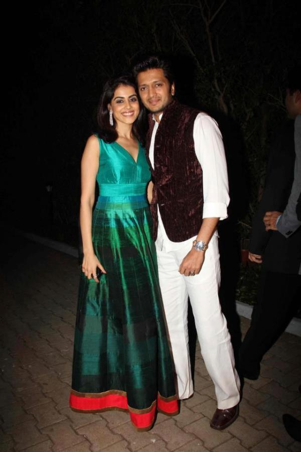 Genelia With Hubby Ritesh The Cutest Bollywood Couple Spotted At Manish Malhotra Show For BMW