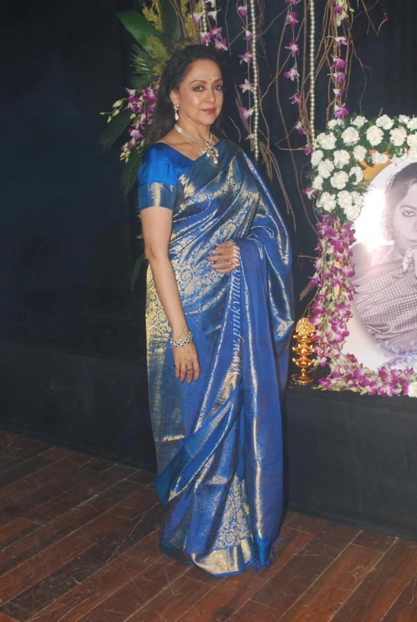 Hema Malini Sizzling And Attractive Photo Clicked At Neheru Centre