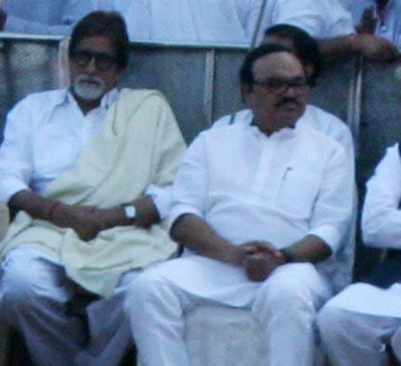 Amitabh And Venkaiah Naidu Attend The Funeral Of Balasaheb Thackeray