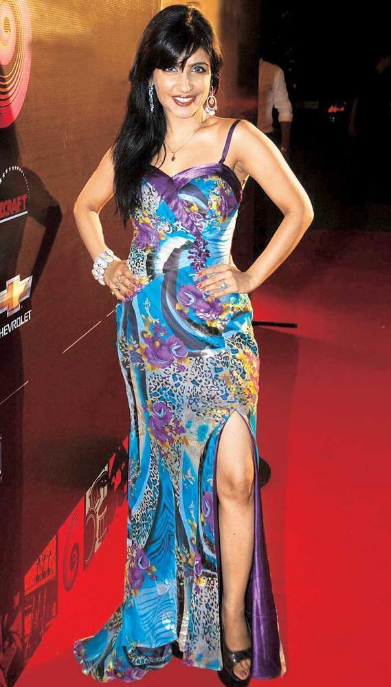 Shibani Kashyap Hot And Sexy Photo Still On Red Carpet