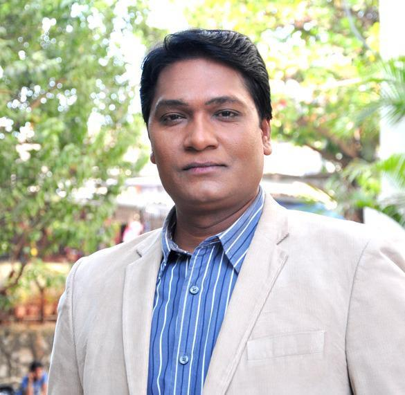 Aditya Dashing Look Still On The Sets Of CID