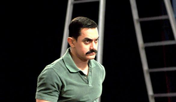 Amir Khan As Angry Man Look Still In CID Special Episode