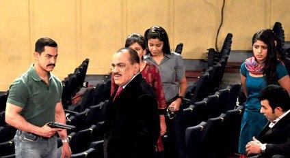 Amir Khan On The Sets Of CID To Promote Talash