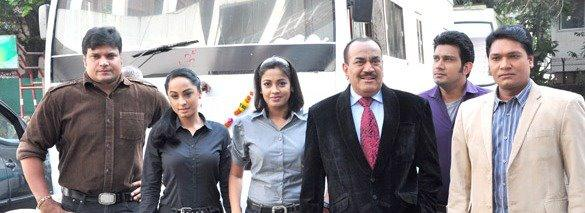 The Team members Of CID Posed For Camera On The Sets Of CID