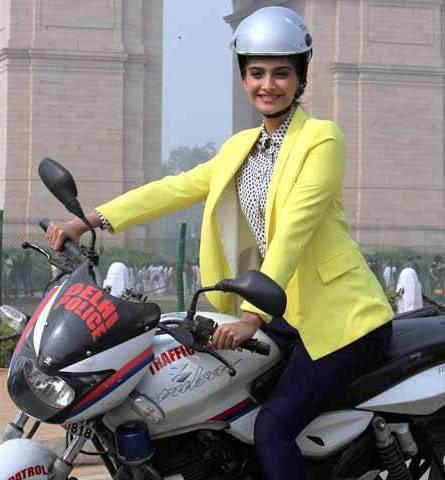 Sonam Kapoor On Bike Photo Clicked While Promoting Delhi Traffic Police