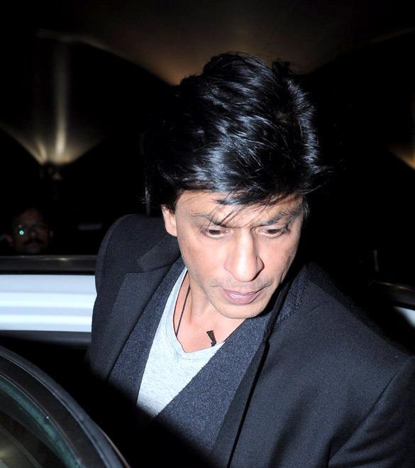 Shahrukh Snapped At Mumbai International Airport