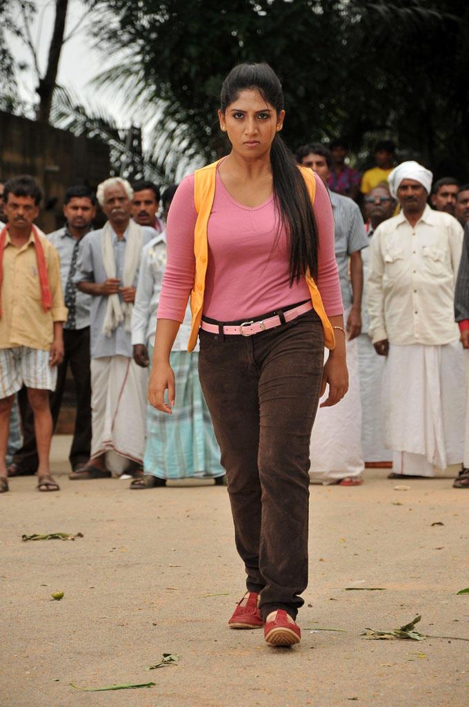 Ayesha Ballistic Look Photo Still From Kannada Movie Sidilamari