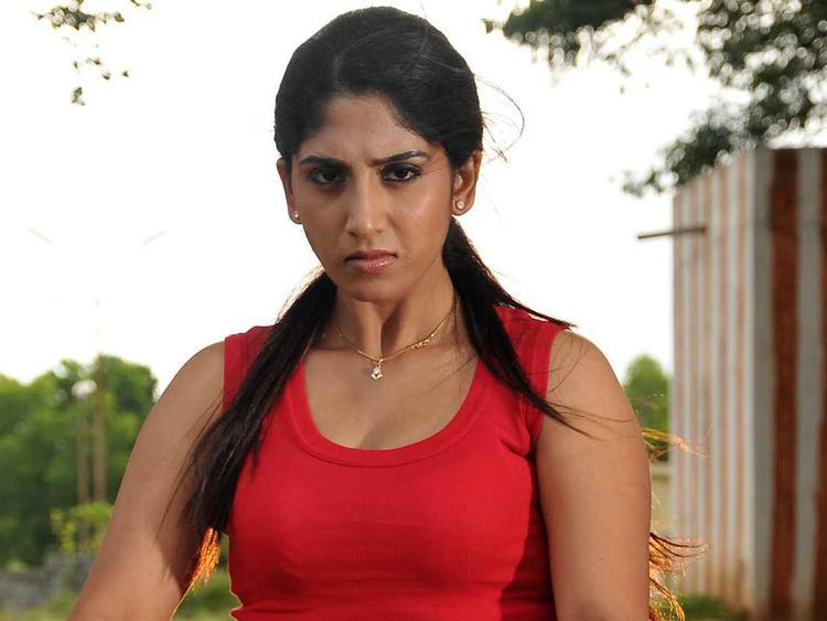 Ayesha Furious Look From Kannada Movie Sidilamari