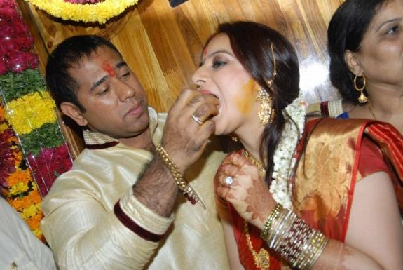 Pooja And Anand Cake Feeding Photo On Their Engagement Function
