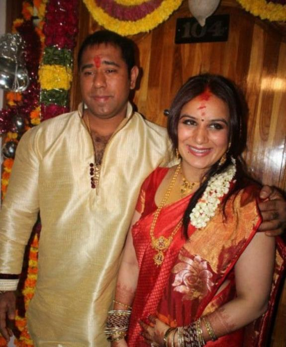 Pooja And Anand Nice Look Photo On Their Engagement Function