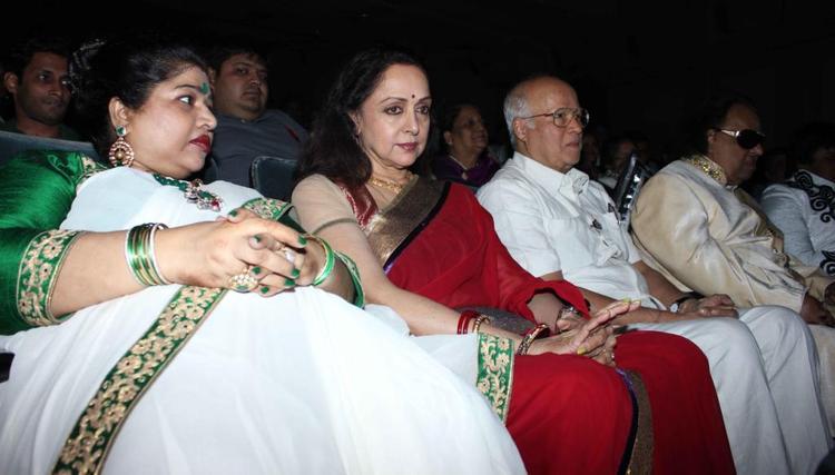 Hema,Rajkumar And Other Guests At Felicitation Of Lyricist Ravindra Jain