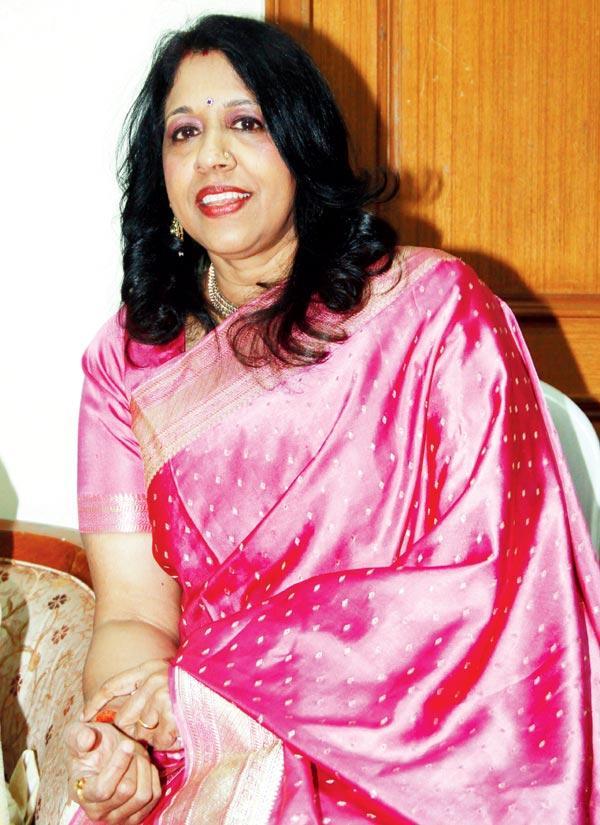 Kavita During The Felicitation Of Music Composer Ravindra Jain