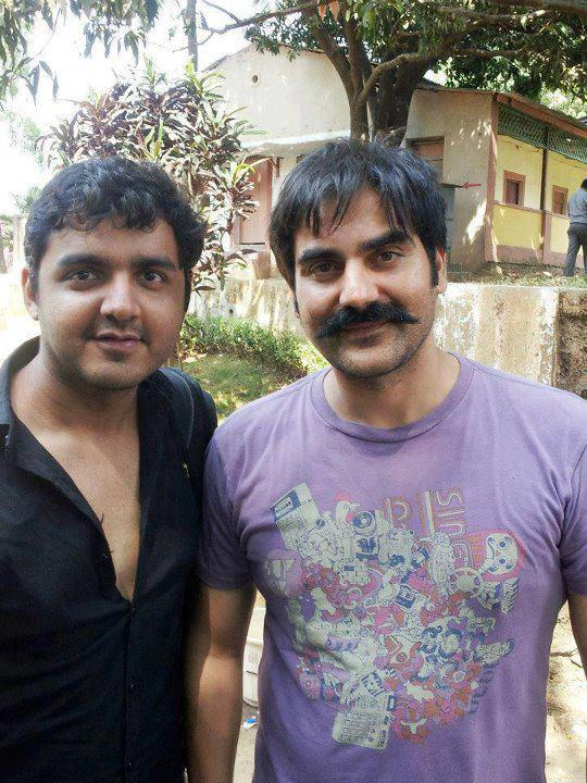 Arbaaz Khan With A Fan Clicked On The Sets Of Dabangg 2