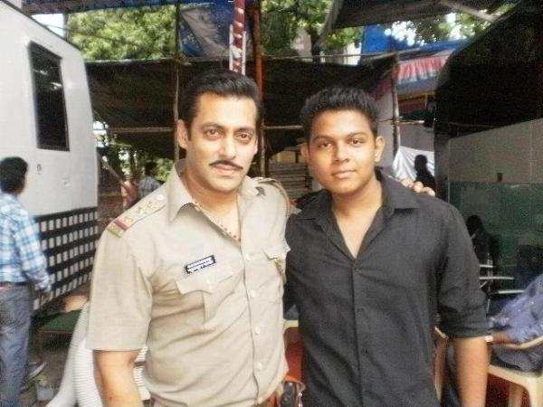 Salman Khan With A Fan Snapped On The Sets Of Dabangg 2
