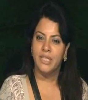 Shraddha Sharma In Full Of Tears On Bigg Boss 5