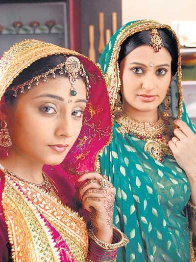 Smita With A Co-Star In Rajastani Costume Photo From Balika Vadhu