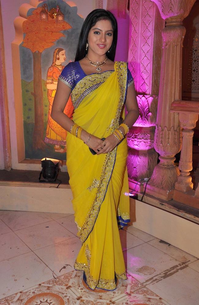 Deepika Singh Gorgeous Saree Photo On The Sets Of Yeh Rishta Kya Kehlata Hai