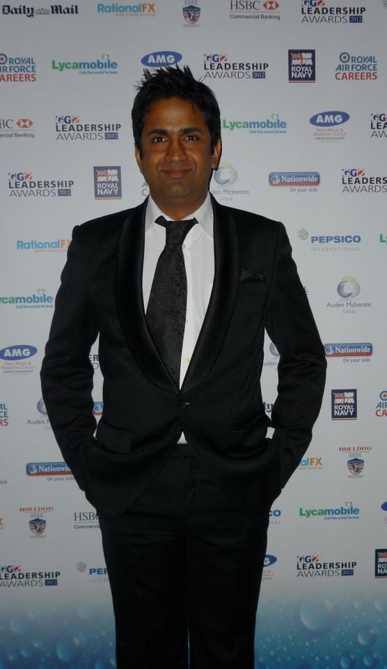 Asjad Nazir Glamorous Look In Black Suit