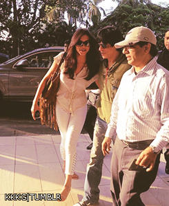 Shaharukh And Deepika On Their Way To Airport For IFFI 2012