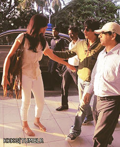 Shaharukh With Deepika Leave For Goa To Attend IFFI 2012