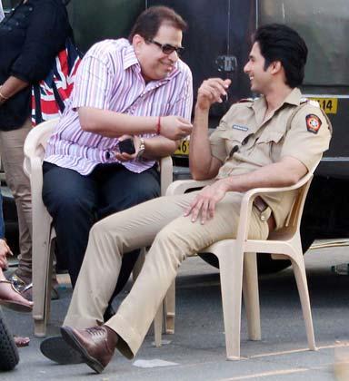 Shahid And Rajkumar Snapped On Shooting Location Of Phata Poster Nikla Hero