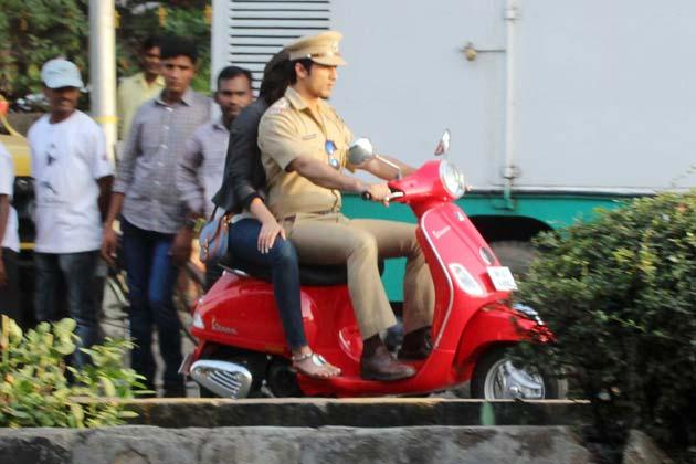 Shahid Riding A Scooter Photo On Shooting Location Of Phata Poster Nikla Hero