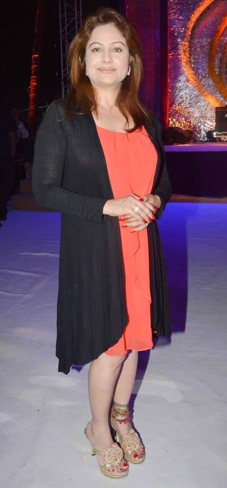 Ayesha Jhulka Nice Look Photo At Sun N Sand Golden Jubilee Function