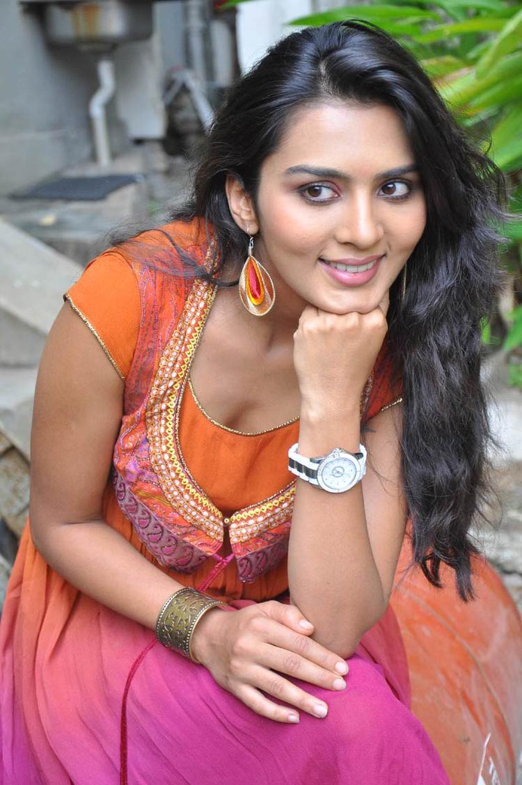 Sindhu Lokanath Sexy Look Still At Coffee With My Wife Movie Muhurat