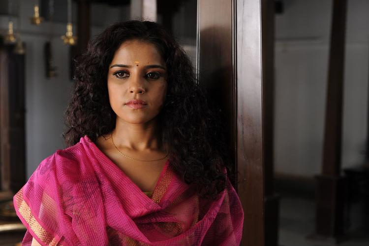 Piaa Bajpai Sizzling And Attractive Still From Telugu Movie Dhalam