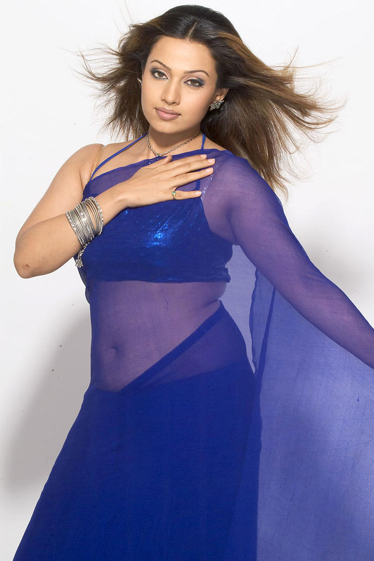 Mayuri Completed Her Look With Flowing Hair Photo Shoot In Transparent Saree