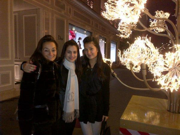 Ameesha Patel With Her Cousin And Aunt Snapped In Paris