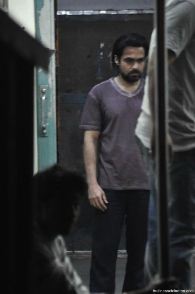 Emraan Hashmi Snapped On The Shooting Of Ghanchakkar
