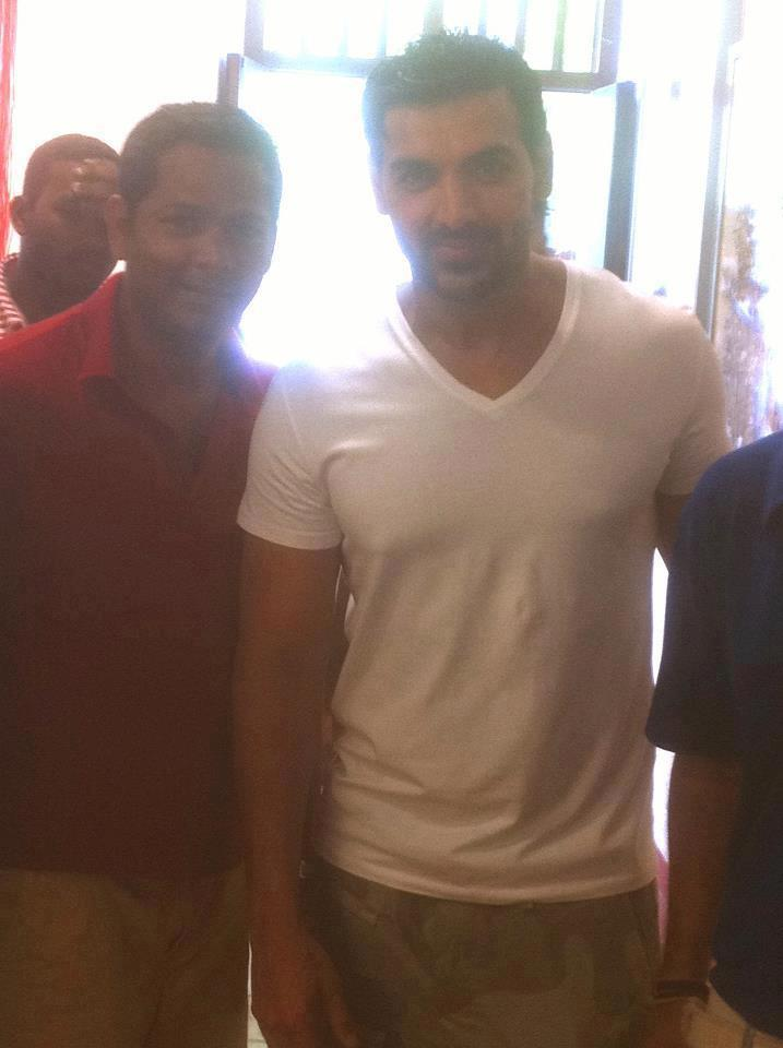 John Abraham With Fans Snapped At Kochi Fort During The Hindi Movie Jaffna Shooting