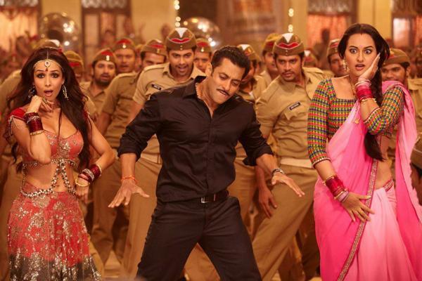Salman And Sonakshi With Malaika In Item Song Of Movie Dabangg 2