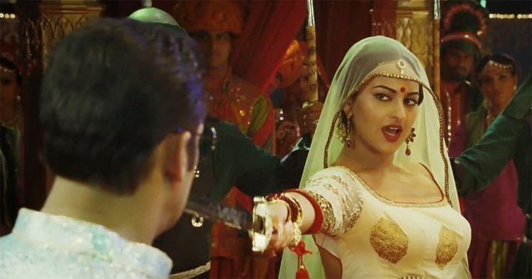 Salman And Sonakshi Song Still From Movie Dabangg 2