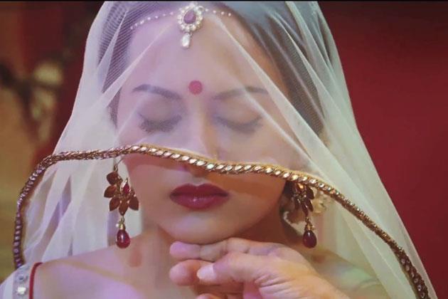 Sonakshi Hot Expression Still From Movie Dabangg 2