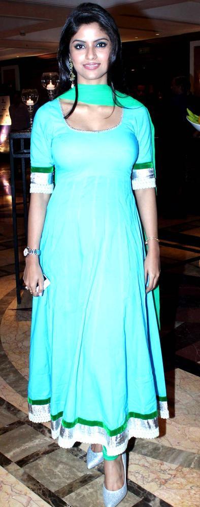 Sayantani Ghosh Sizzling And Attractive Look At IBN7 Super Idols Award Ceremony