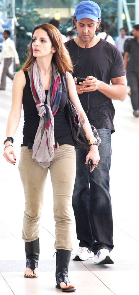 Hrithik Roshan And His Wife Suzzane Roshan Snapped At Airport