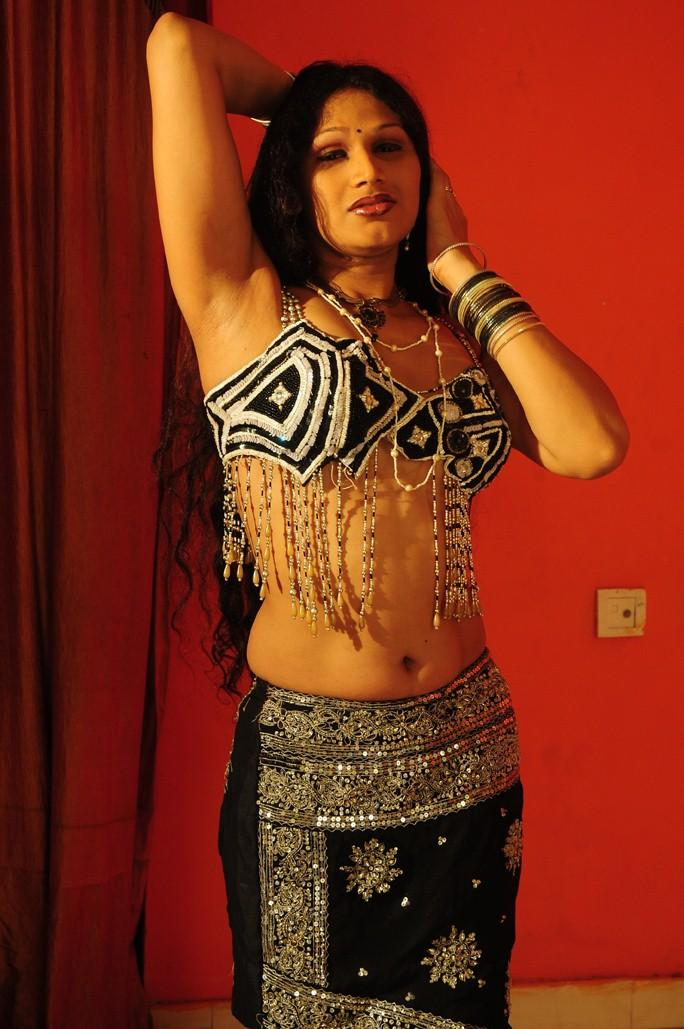 Sirisha Navel Show Spicy And Sexy Still From O Aunty Katha Movie