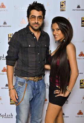 Ayushmann With A Friend Posed For Camera At The Masala Awards 2012