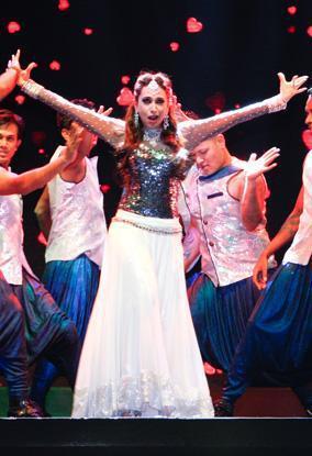 Karisma Kapoor Dancing Still At The Masala Awards 2012