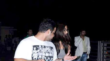 Anushka Sharma Clicked With Friends At PVR Juhu