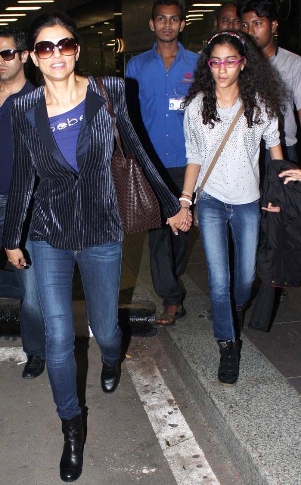Sushmita With Her Daughter Renee At Airport For Attend Dabangg 2 Screening