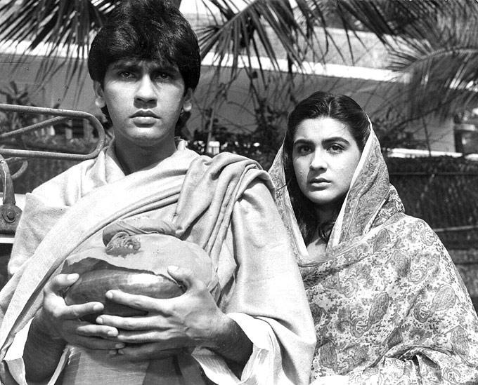 Kumar And Amrita Sad Scene Movie Still