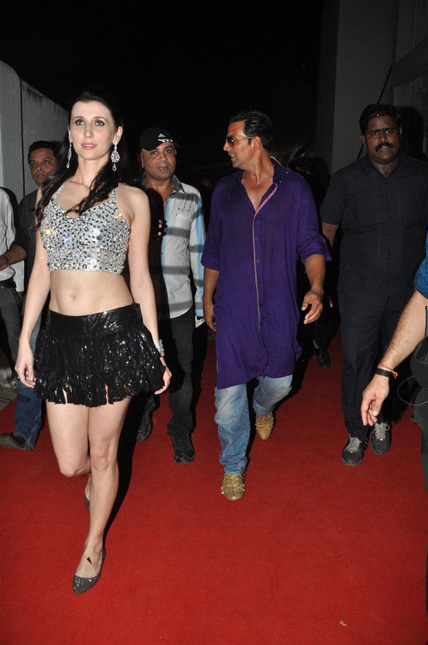 Claudia And Akshay Arrived At Mithibai College To Promote Khiladi 786